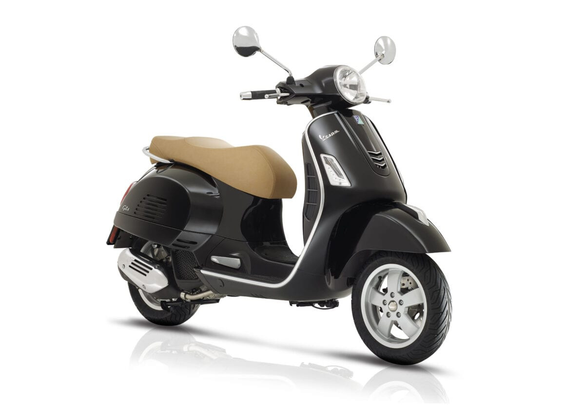 euro 4 i get engine makes its d but on the new vespa gts 125cc 150cc scootering. Black Bedroom Furniture Sets. Home Design Ideas